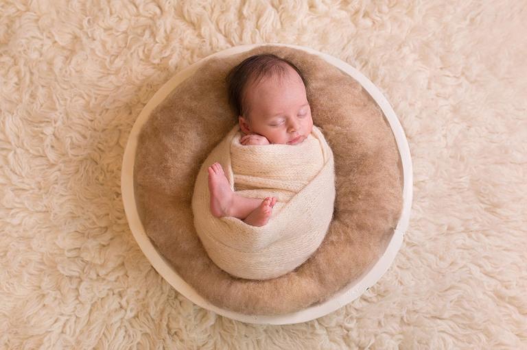 Annie Gower-Jones Photography newborn photoshoot Manchester, Cheshire, Altrincham, Sale