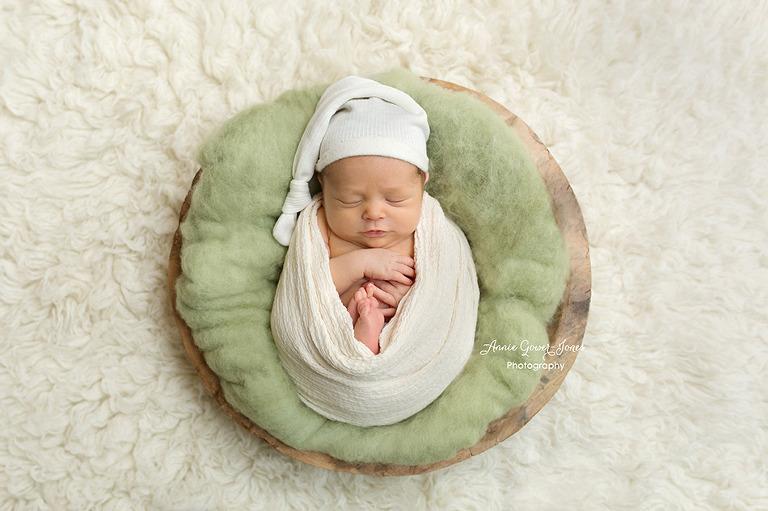 Annie Gower-Jones Photography newborn baby photoshoot Manchester, Cheshire, Altrincham, Urmston