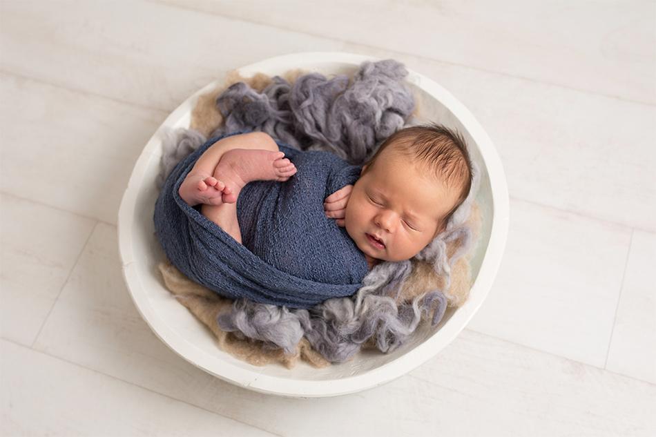 Annie Gower-Jones Photography newborn baby photoshoot Manchester Cheshire Altrincham Timperley